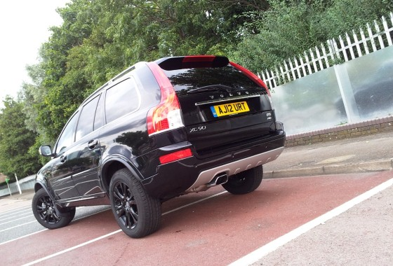 Volvo XC90 D5 SE Lux Black Edition Geartronic AWD road ...